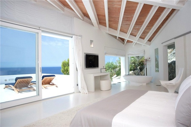 Bright-White-Villa-In-Mallorca-Spain-6 | tuhinternational