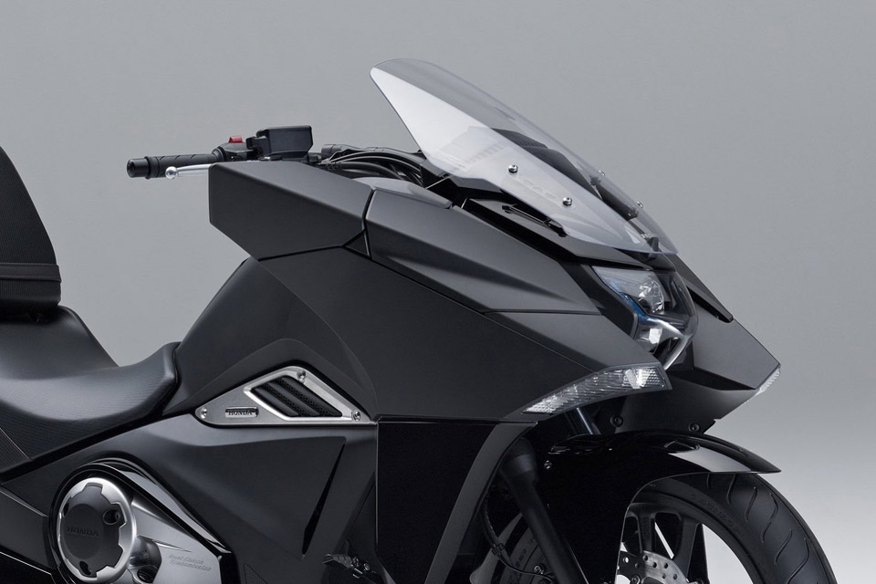 Honda-Unveils-Two-Japanimation-Motorcycles-02