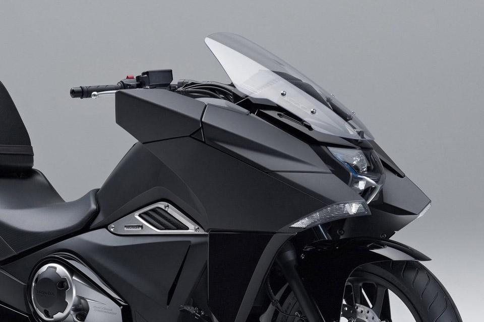 Honda-Unveils-Two-Japanimation-Motorcycles-02