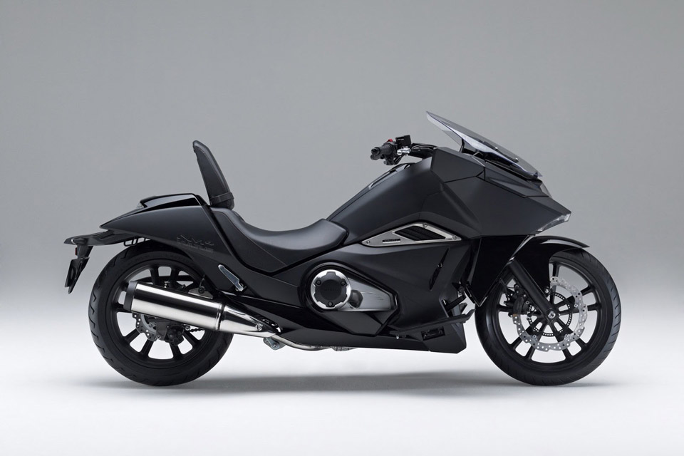Honda-Unveils-Two-Japanimation-Motorcycles-03