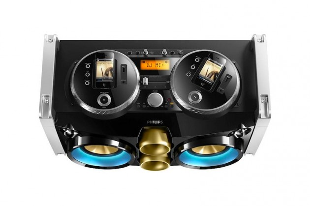 Philips-Mini-Hi-Fi-System-iPhone-Turntable-Dock-02-630x419