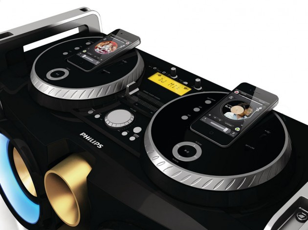Philips-Mini-Hi-Fi-System-iPhone-Turntable-Dock-05-630x472