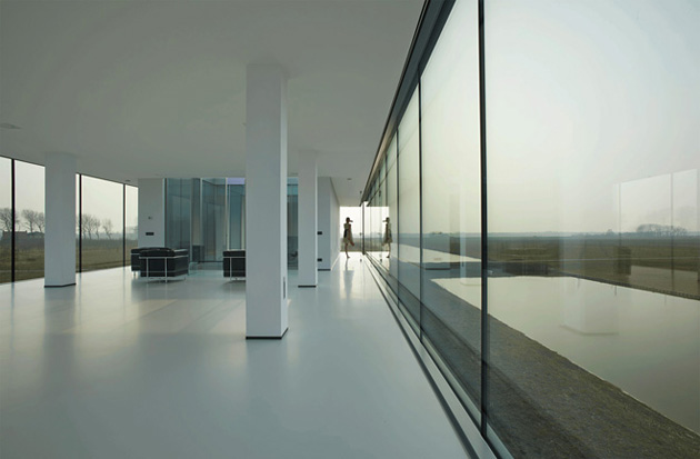 Villa-Kogelhofan-by-Paul-Ruiter-Architects-05