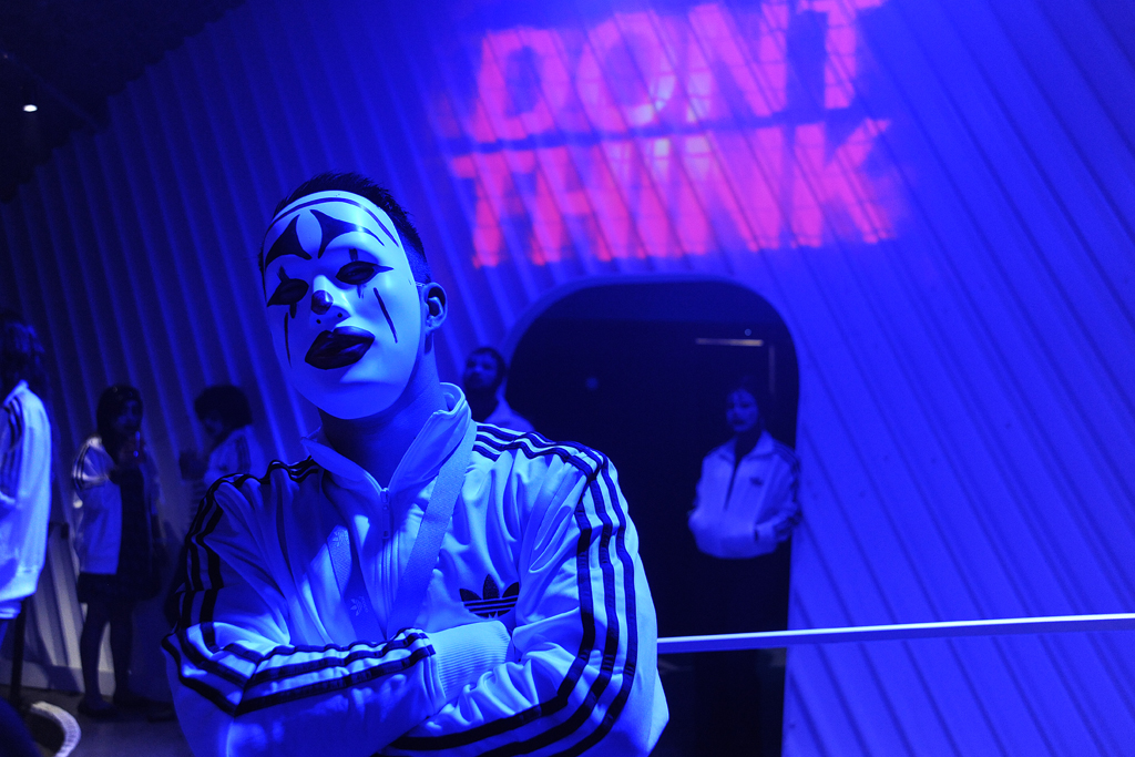 adidasunderground-the-chemical-brothers-dont-think-live-film-experience-day-4-16