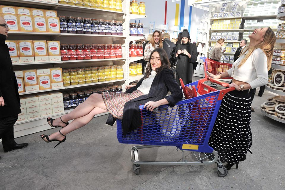 fall winter 2014 grocery store runway show 06 chanel fall winter 2014
