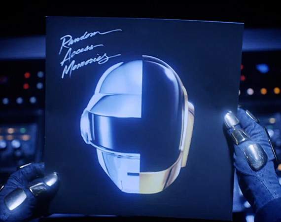 daft-punk-random-access-memories-unboxing-01