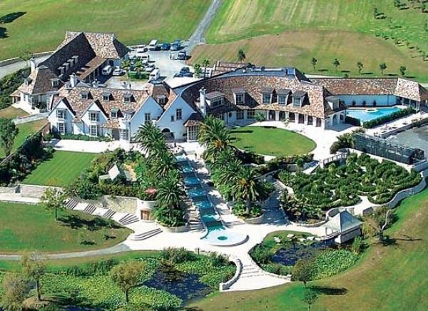 Kim dotcoms rental mansion e1327168849979 tuhinternational - Casas de lujo en san sebastian ...