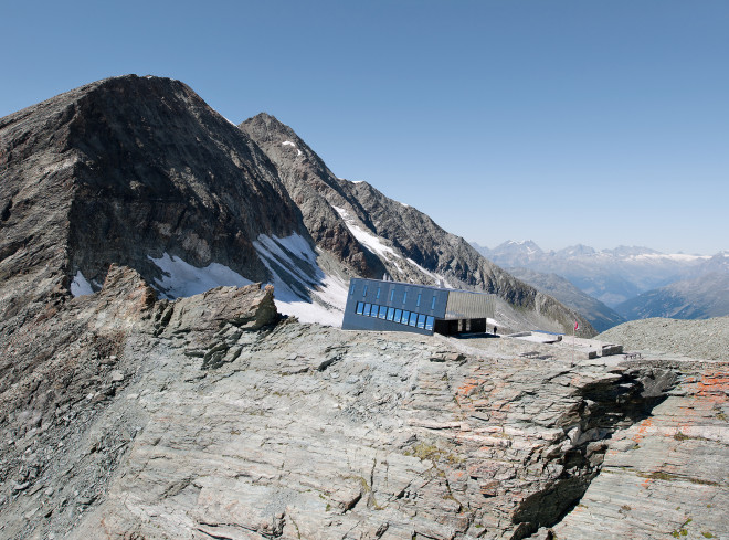 new-tracuit-mountain-hut-zinal03-660x489