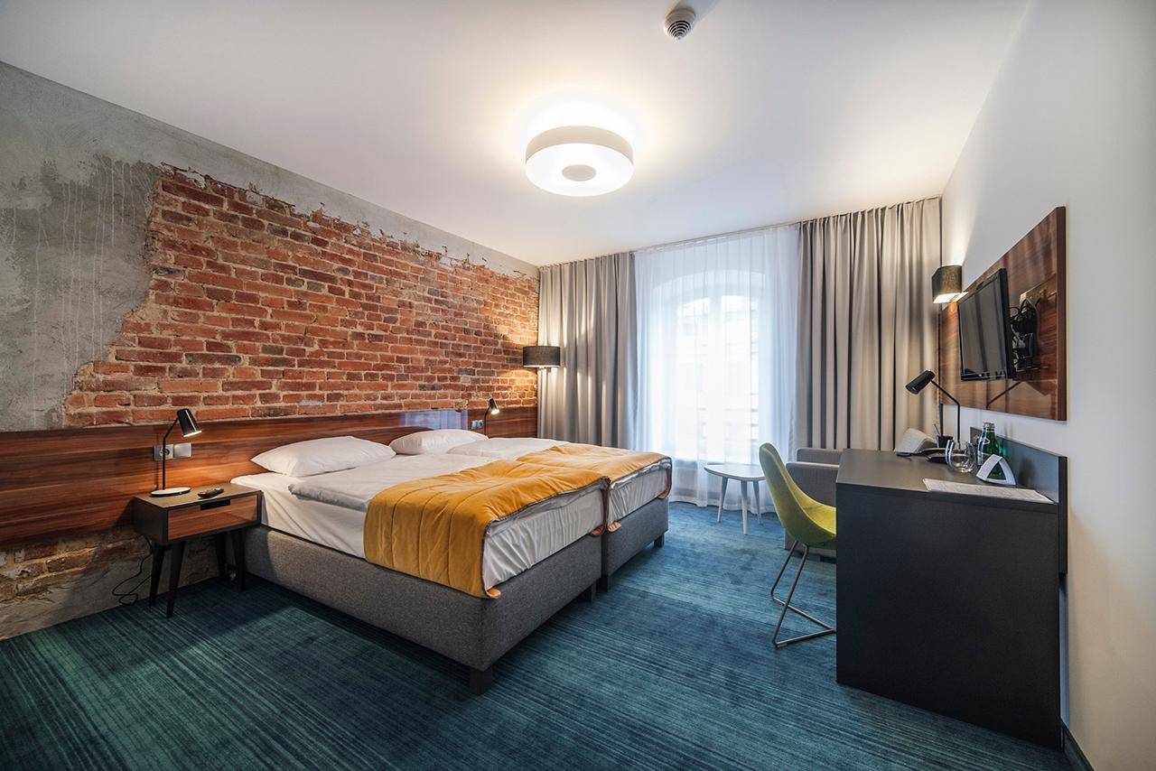 polands-tobaco-hotel-by-ec-5-13