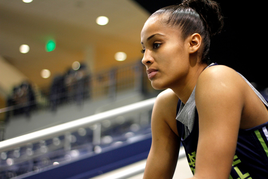 roc nation signs its first athlete in wnba rookie skylar