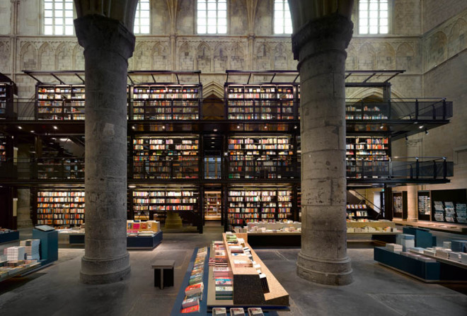 selexyz-dominicanen-bookstore-church-conversion-netherlands-3-660x447