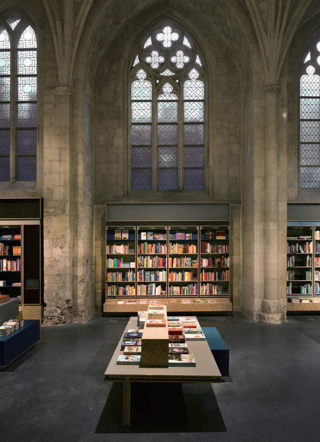 selexyz-dominicanen-bookstore-church-conversion-netherlands-5-660x912